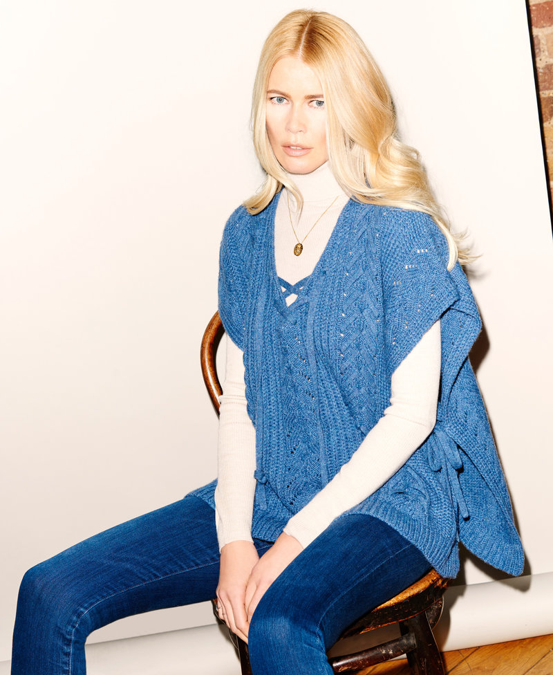 Клаудия Шиффер продемонстрировала элегантную сдержанность в рекламе своей кашемировой коллекции (ФОТО)