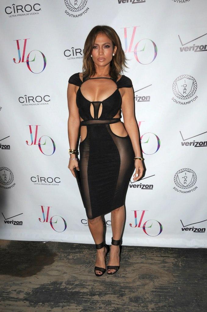 Отметила: Дженнифер Лопес одела невероятно сексуальный наряд на празднование своего 46-летия