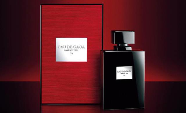 Свой первый аромат Леди Гага представила в 2012 года –  тогда парфюм Fame стал лидером продаж во многих странах. Звезда решила повторить успех своего первого детища и порадовать поклонников новым ароматом под названием Eau de Gaga, который увидет свет уже осенью. Об этом Леди гага сообщила на своей странице в Facebook, где также рассказала, что Eau de Gaga  -парфюм для женщины-авантюристки, обожающей путешествия, а также для мужчины, который влюблен в нее.  Древесно-цветочно-цитрусовый аромат Eau de Gaga с главным акцентом на белую фиалку, лайм и нотки кожи Леди Гага создавала вместе с Урсулой Вандел из швейцарской компании Givaudan. Выпускать же парфюм певица будет под собственным брендом Haus Laboratories, созданным ею в сотрудничестве с парфюмерным гигантом Coty Inc.