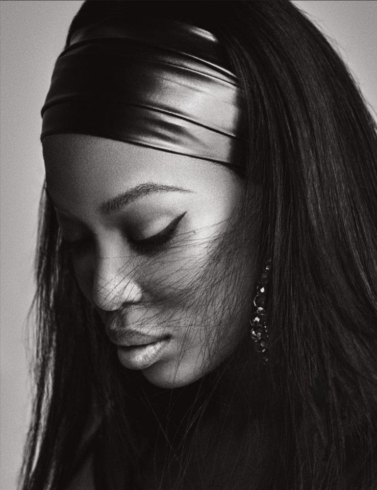 Наоми Кемпбелл в фотосессии для октябрьского выпуска Lui Magazine