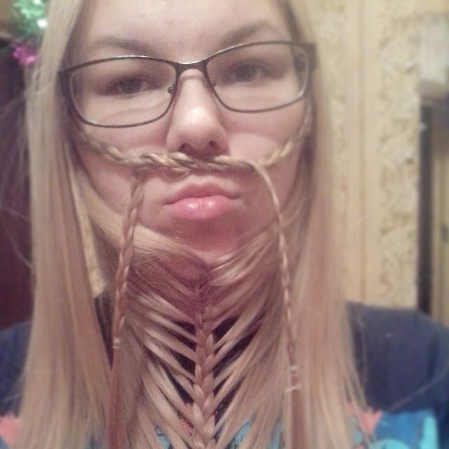 Сами с усами: женские бороды - новый beauty-тренд в Instagram