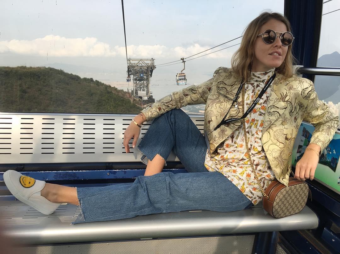 Косметика в дорогу: из чего состоит дорожная косметичка Ксении Собчак?