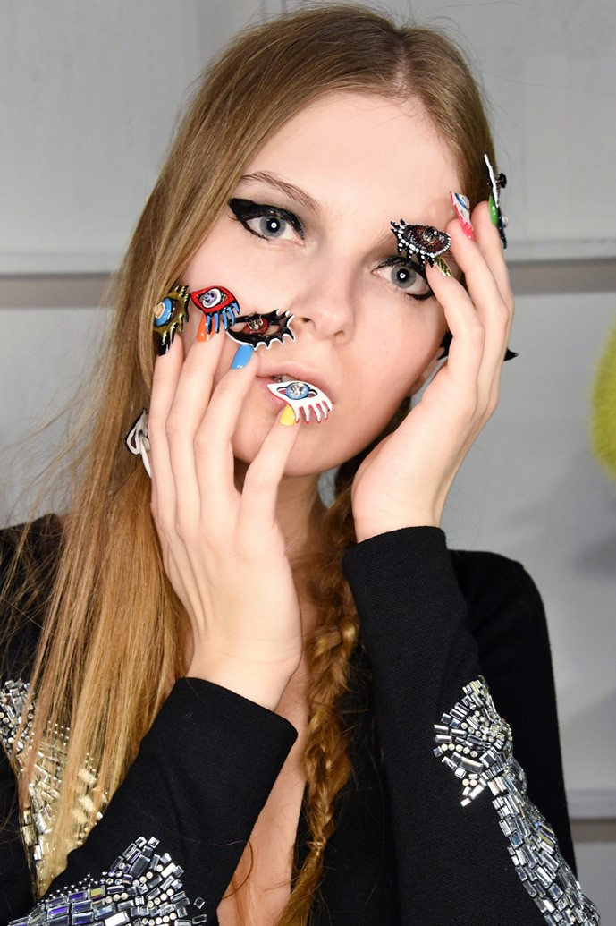 Ногти-глаза: самый впечатляющий маникюр Недели моды в Нью-Йорке