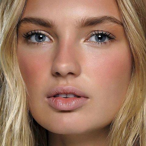 Советы визажиста: как сделать самый модный макияж лета sun stripping фото