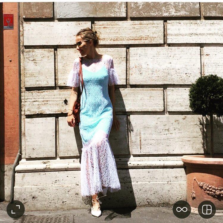 Летняя косметичка: Ксения Собчак показала свои сезонные must-have фото