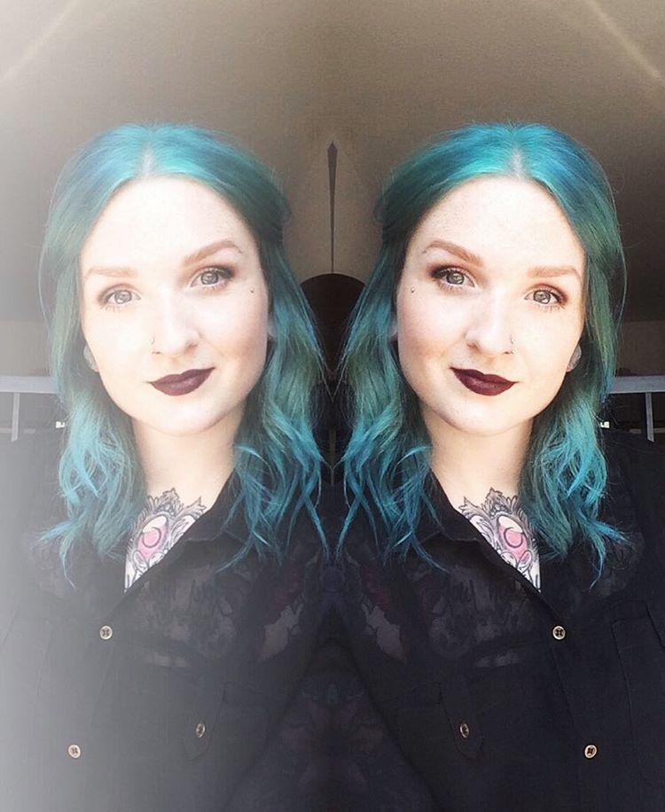 голубые волосы фото