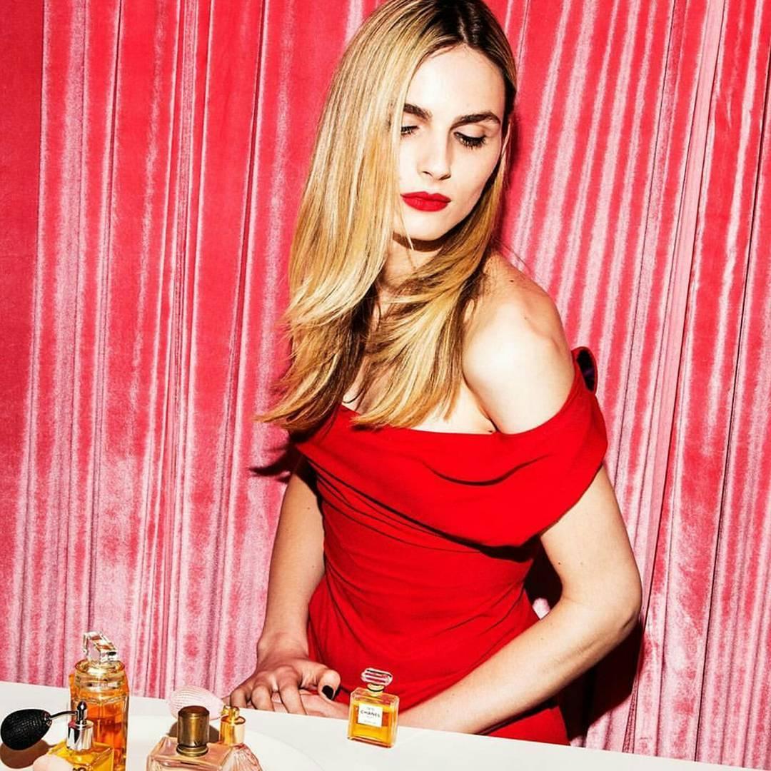 Любовь без границ: Андреа Пежич - модель, сменившая пол, выходит замуж