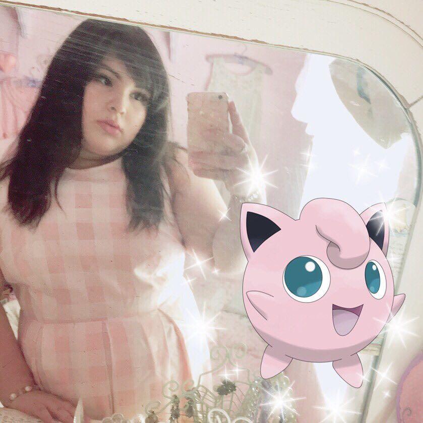 Флэшмоб: пользователи Instagram публикуют себя и своего двойника из игры Pokemon GO