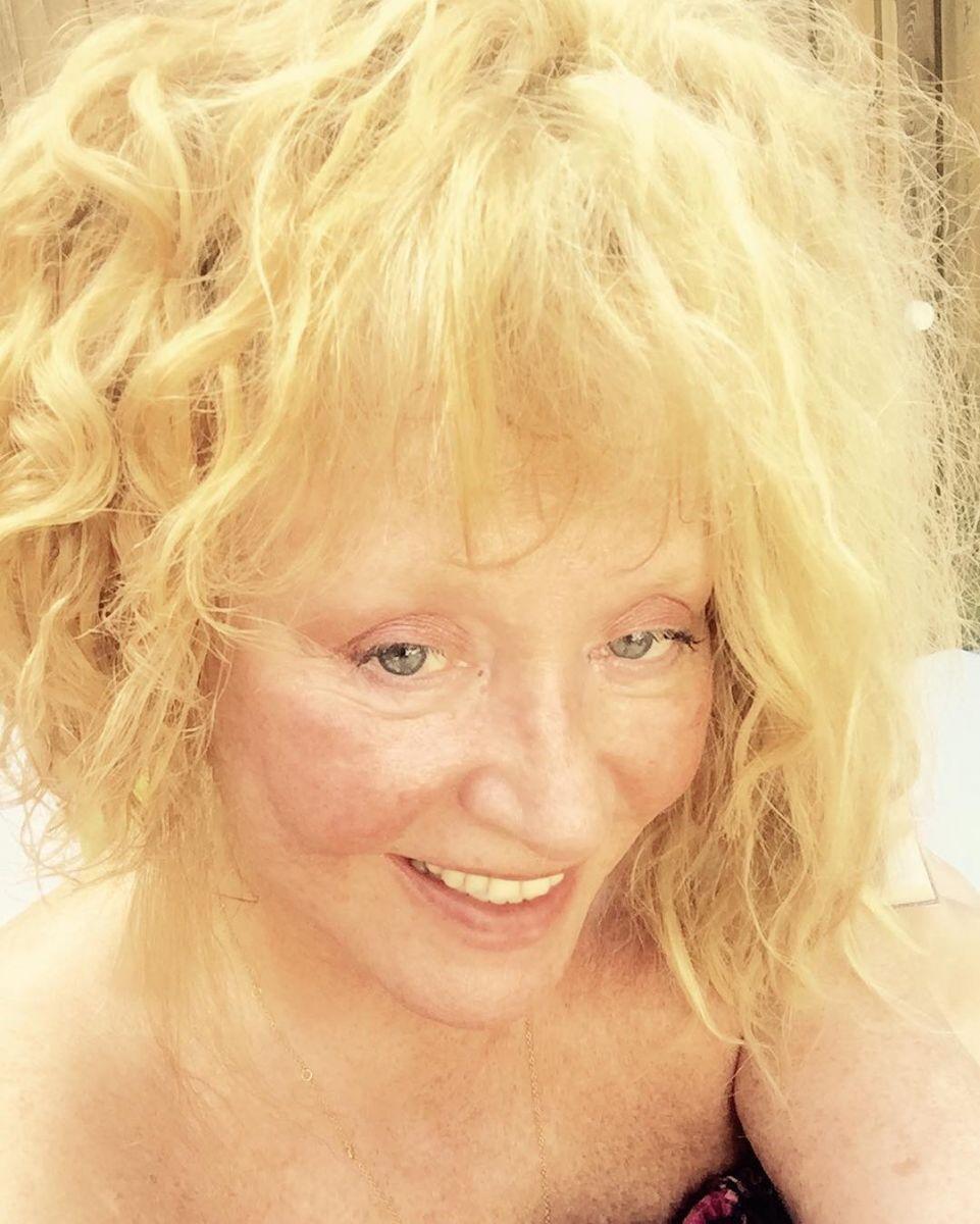 Зато естественная: Алла Пугачева рискнула сделать селфи без макияжа