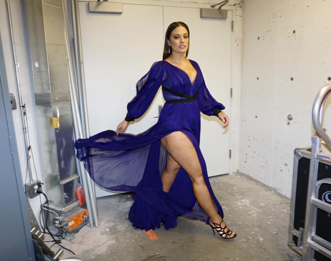 """Plus-size модель Эшли Грэм: """"У меня есть целлюлит"""""""
