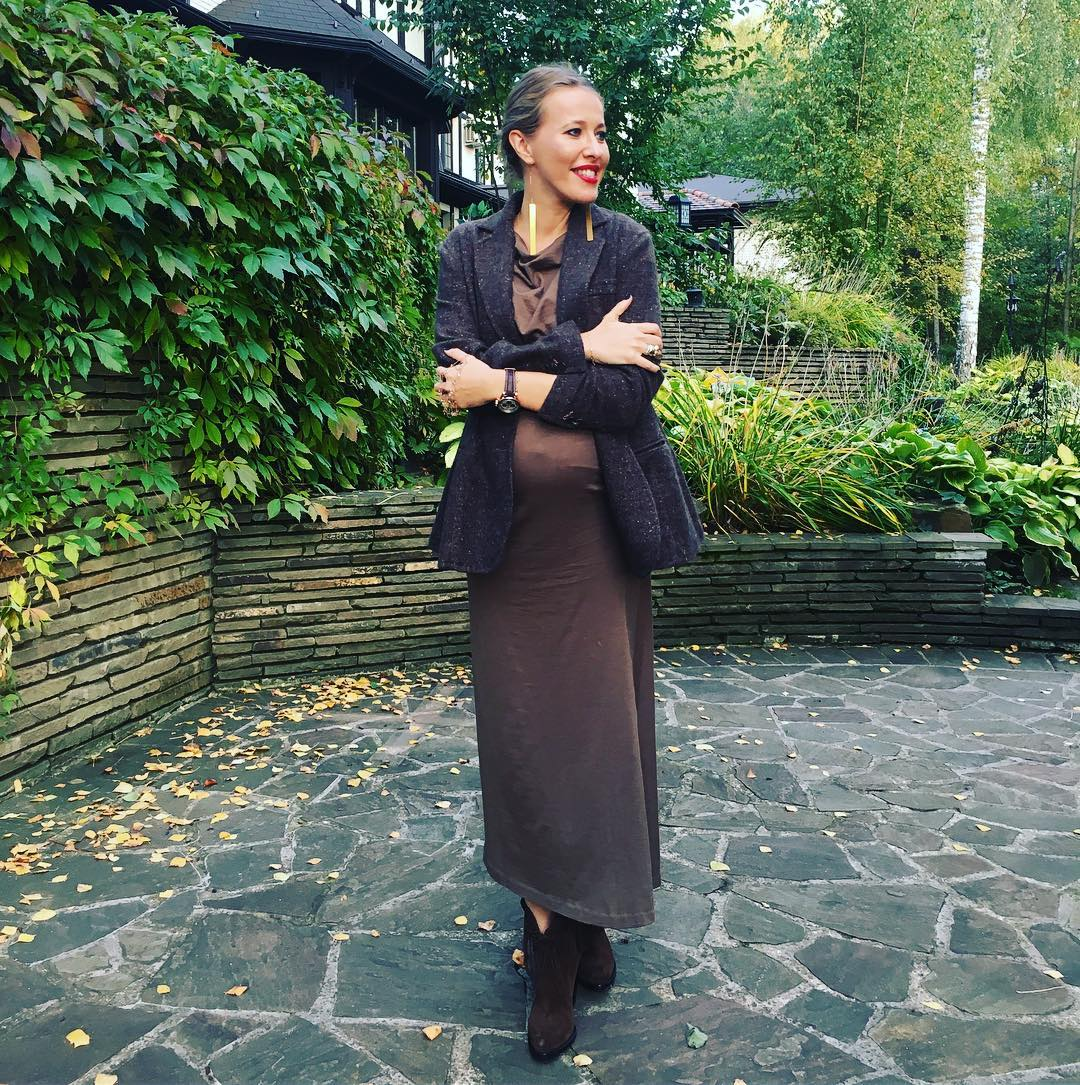 Это сын: вспоминаем лучшие образы беременной Ксении Собчак