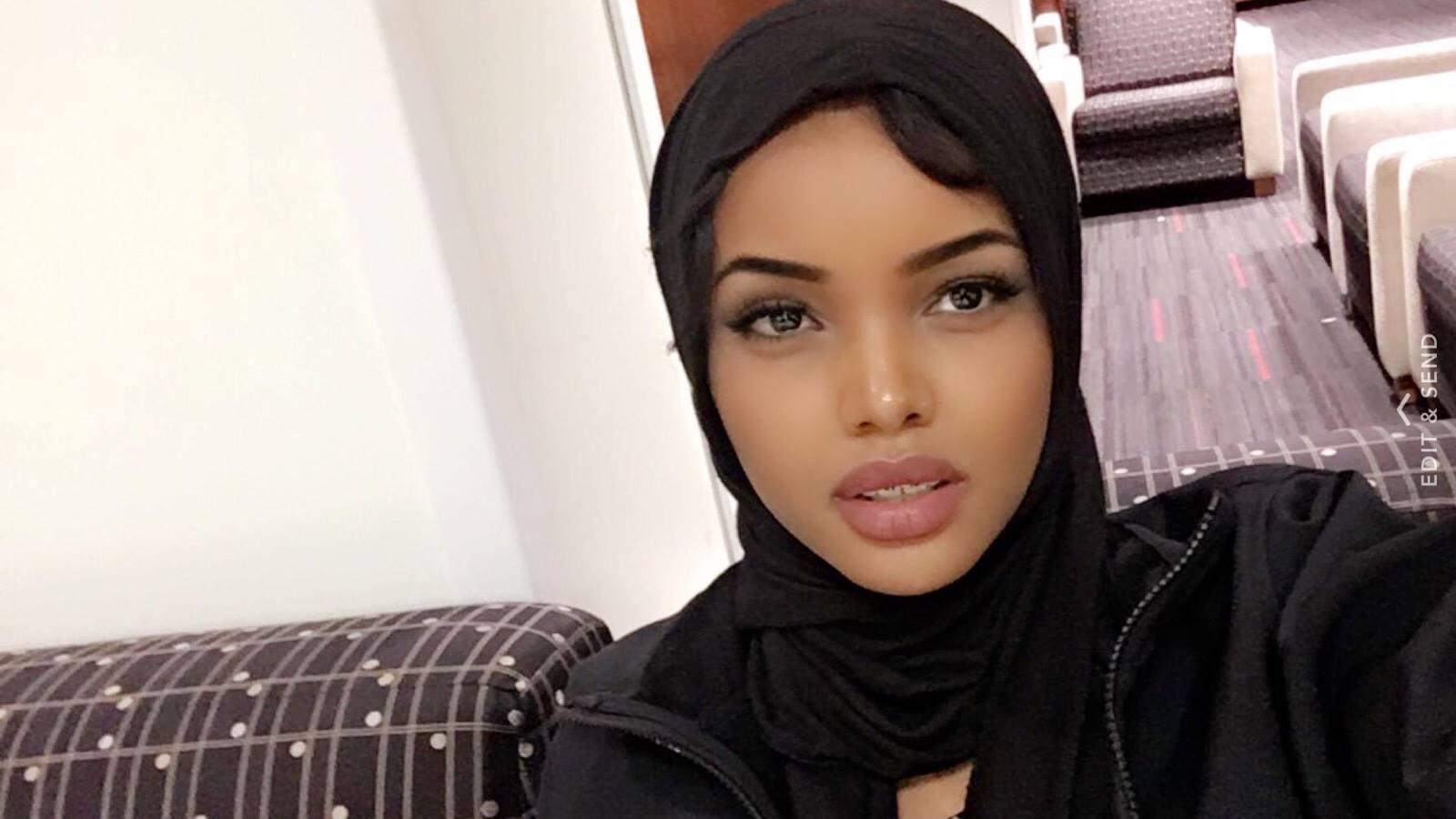 Буркини вместо бикини: в американском конкурсе красоты участвовала девушка в хиджабе