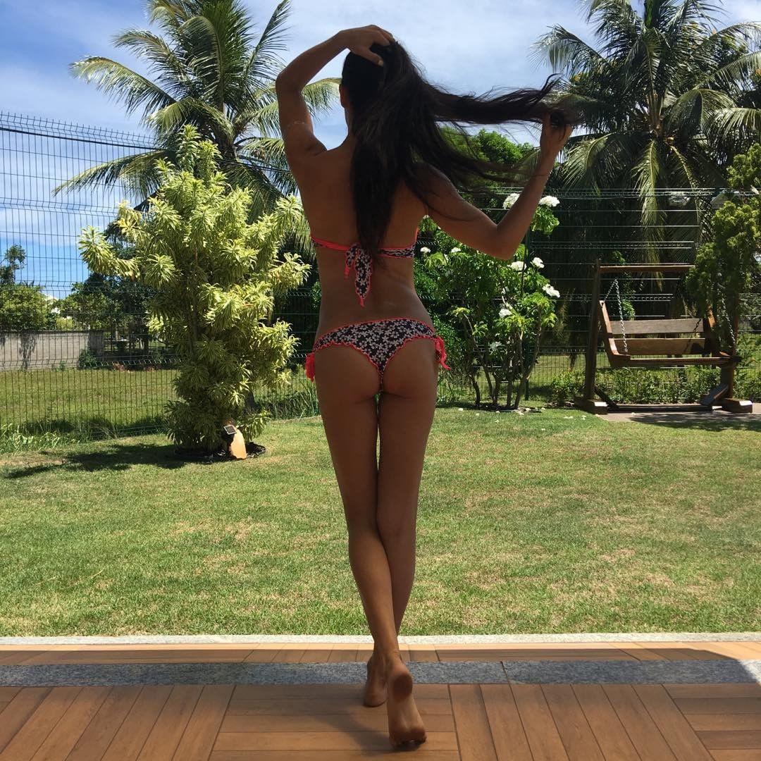 Повод для зависти: Адриана Лима, Алессандра Амбросио и другие модели в бикини показывают роскошные фигуры