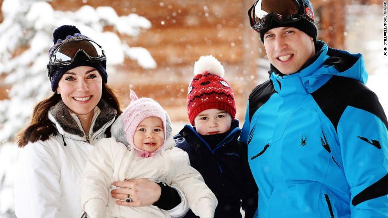 Зимняя сказка: новая фотосессия Кейт Миддлтон, принца Уильяма и их детишек 2016