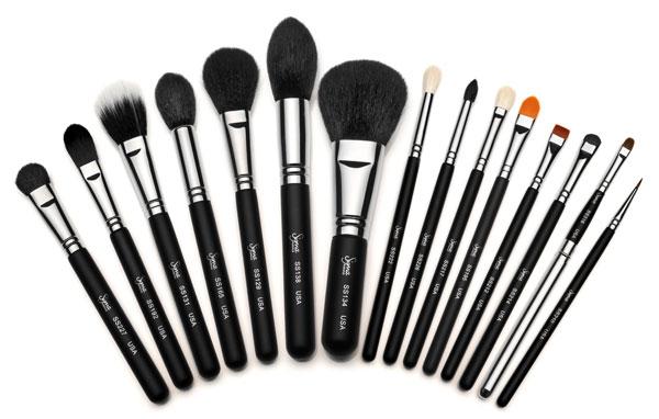 Брать или не брать: как правильно выбрать кисть для макияжа?