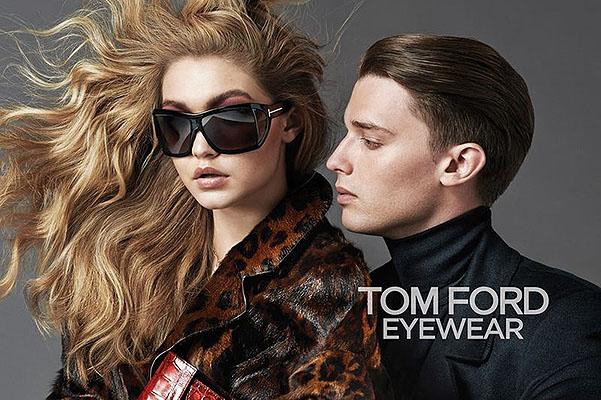Юный и талантливый красавчик Патрик Шварценеггер набирает обороты – он не только пробует себя в кино, но активно снимается в рекламе люксовых брендов. Так, 20-летний сын Арнольлда Шварценеггера стал лицом новой рекламной кампании самого скандального дизайнера Тома Форда, известного своей любовью к мужской красоте, сексу и обнаженному телу. В сети уже появились первые кадры из кампании с участием Патрика, компанию которому в съемке составила 19-летняя дочь модели Иоланды Фостер Джида Хадид, которая является лицом аромата Velvet Orchid.  Первый взгляд на снимок позволяет сделать всего два вывода: коллекция Тома Форда осень-зима 2014/15 будет сексуальной и контрастной, а Патрик Шварценеггер позволит ее успешно реализовать!
