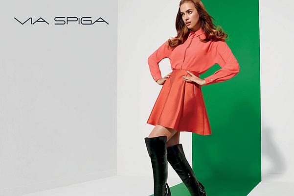 Российская красавица Ирина Шейк рекламирует стильную обувь