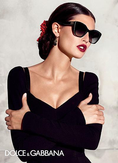 Бьянка Балти показала какие солнцезащитные очки будут в моде