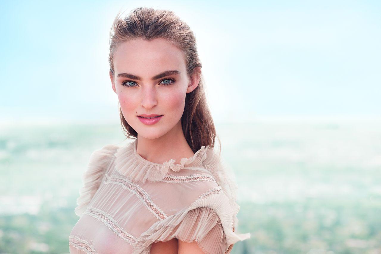 Весенняя коллекция макияжа Clarins Instant Glow 2016