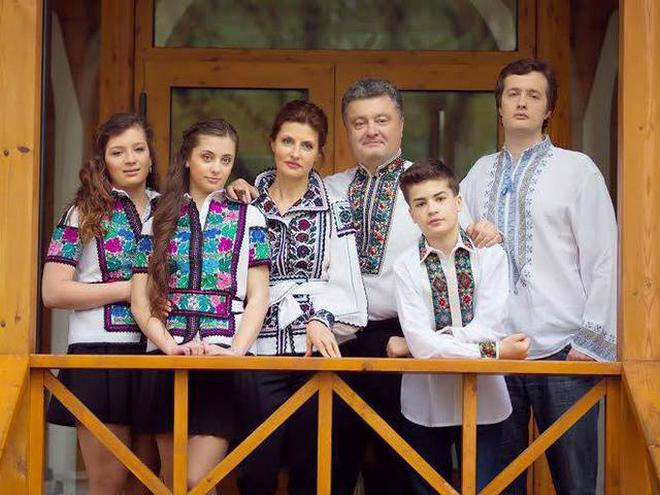 марина порошенко и петр порошенко в вышиванках фото