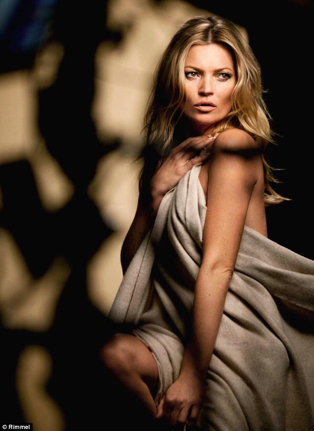 Обнаженная и прекрасная: Кейт Мосс позирует для Rimmel без одежды