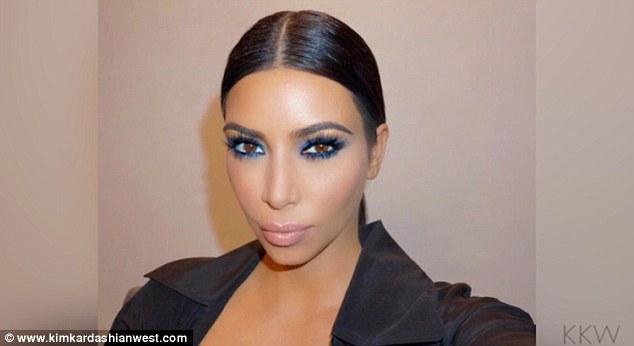 Бьютихак от звезды: как сделать губы как у Ким Кардашьян?