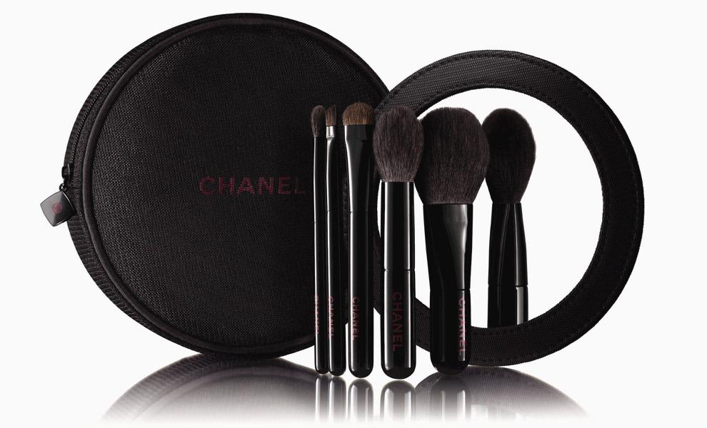 Chanel представил рождественскую коллекцию макияжа 2015 (ФОТО)