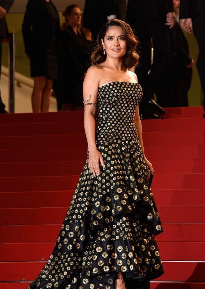 Сальма Хайек покорила роскошным образом на Каннском фестивале