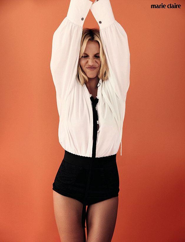 Бритни Спирс показала тренды осени в стильной фотосессии (ФОТО)