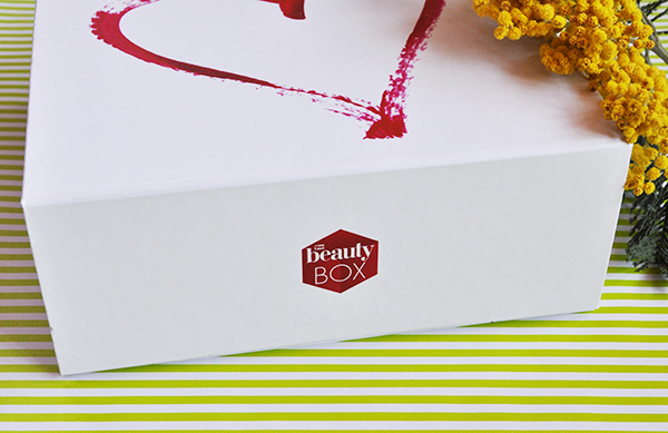 Самое необходимое в марте: обзор коробочки Viva! Beauty Box  Love Story