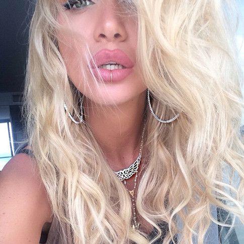 Гламурщина: Виктория Лопырева уж очень увеличила губы!