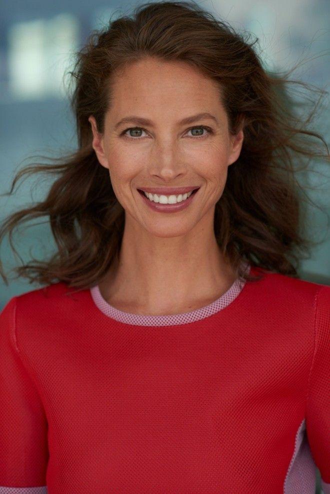 Кристи Тарлингтон стала лицом уходовой марки Biotherm