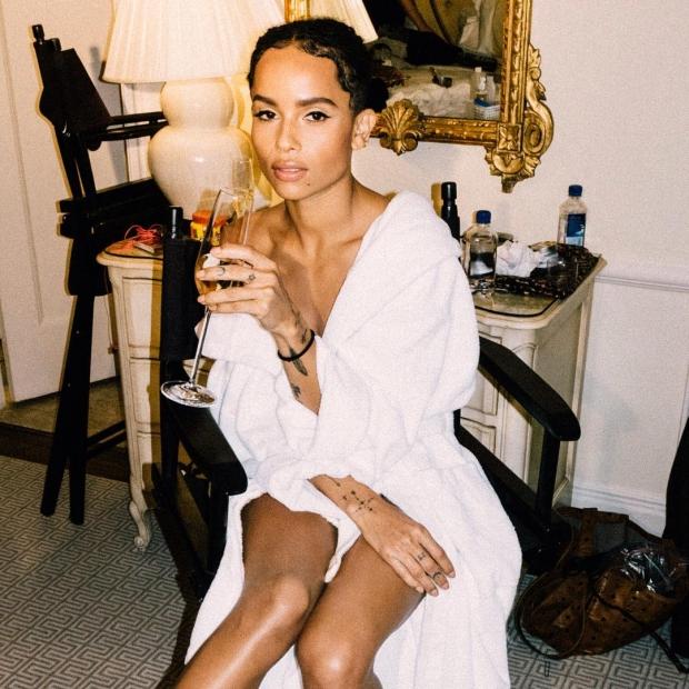 Зои Кравиц стала новой музой Yves Saint Laurent Beauty фото