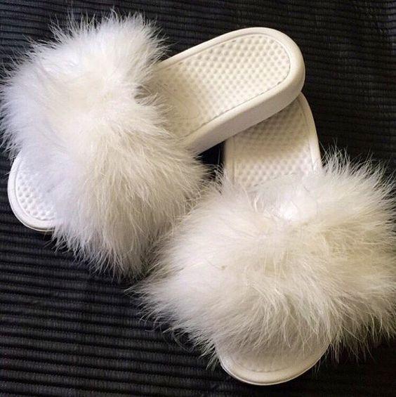 Как это мило: «Пушистые» туфли с мехом стали новым модным трендом туфли с мехом, слипоны с мехом, туфли с мехом фото, туфли тренд с мехом