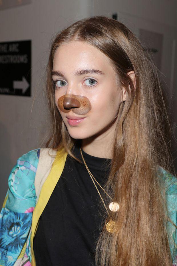Реально нереально: в моду входит макияж в стиле Snapchat (ФОТО)