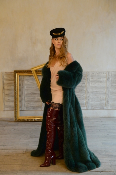 14-летняя дочь Веры Брежневой дебютировала на Неделе моды в Москве