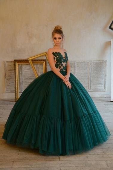 14-летняя дочь Веры Брежневой дебютировала на Неделе моды в Москве фото