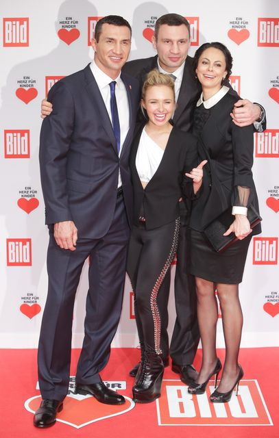 Образ дня: жена Владимира Кличко Хайден Панеттьери на благотворительном вечере