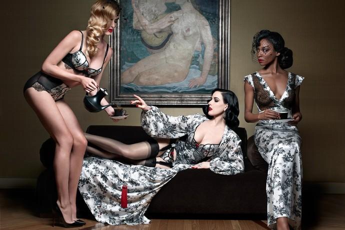 42-летняя бурлеск-дива Дита Фон Тиз и Кристиан Лубутэн сошлись в коллаборации для того, чтобы порадовать женщин роскошной коллекцией нижнего белья. Капсульная линейка кружевных чудес будет продаваться на сайте европейского онлайн-ритейлера Glamuse.com.  В коллекцию, названную XXXtian, вошли семь предметов женского гардероба, в том числе трусики, бюстгальтеры, корсеты и кимоно из шелка и кружева с орнаментами, разработанными самим Кристианом.  Название коллекции белья было придумано по мотивам подписи Лубутэна, которой он завершает свои электронные письма - «Xtian». Конечно же, лицом и телом XXXtian стала сама Дита Фон Тиз, которая и продемонстрировала новинки.