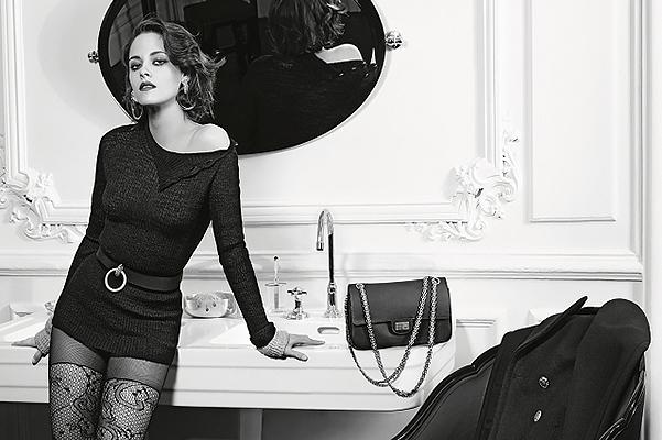 Вах-вах: Кристен Стюарт в образе роковой женщины позирует для Chanel фото