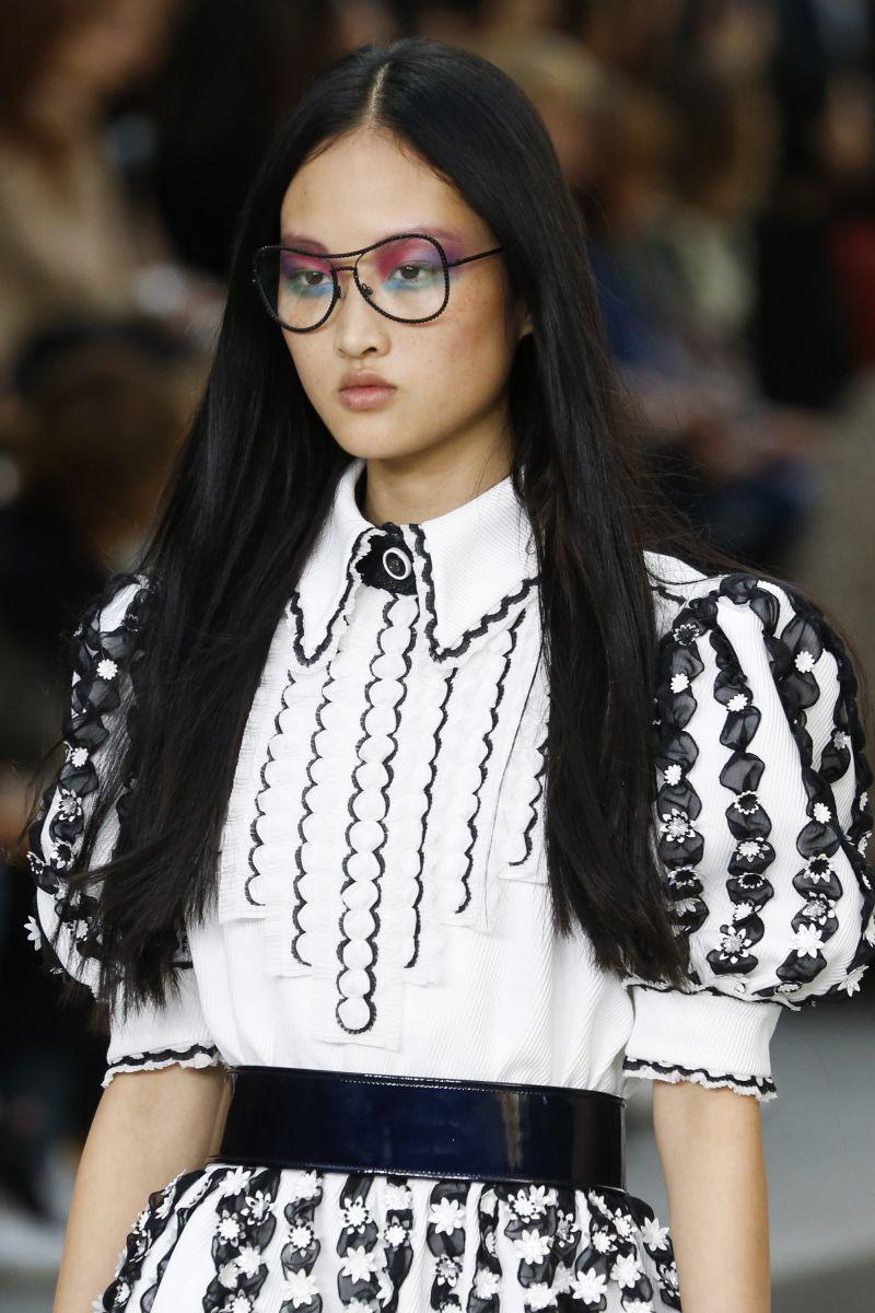 Радужный макияж - удивительный тренд показа Chanel