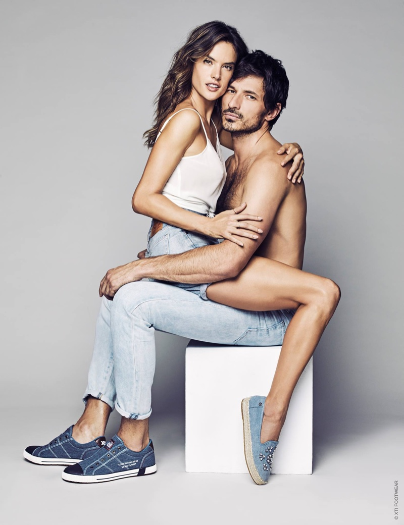 Алессандра Амбросио показала обувные тренды весны 2017 в фотосессии с экс-бойфрендом Кайли Миноуг
