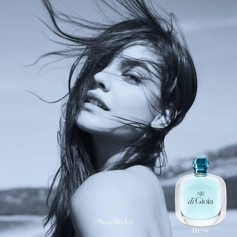 Три стихии: супермодель Барбара Палвин представила три новых аромата Giorgio Armani