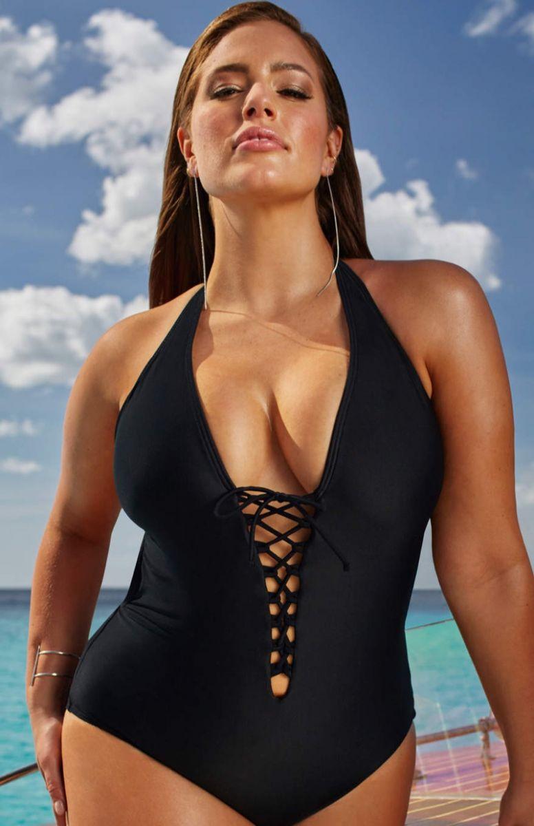 Plus-size топ-модель Эшли Грэм снялась в рекламе соблазнительных купальников фото