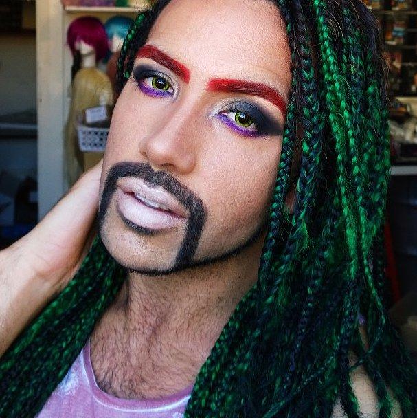 WTF?! Новый тренд на радужные брови захватил соцсети!