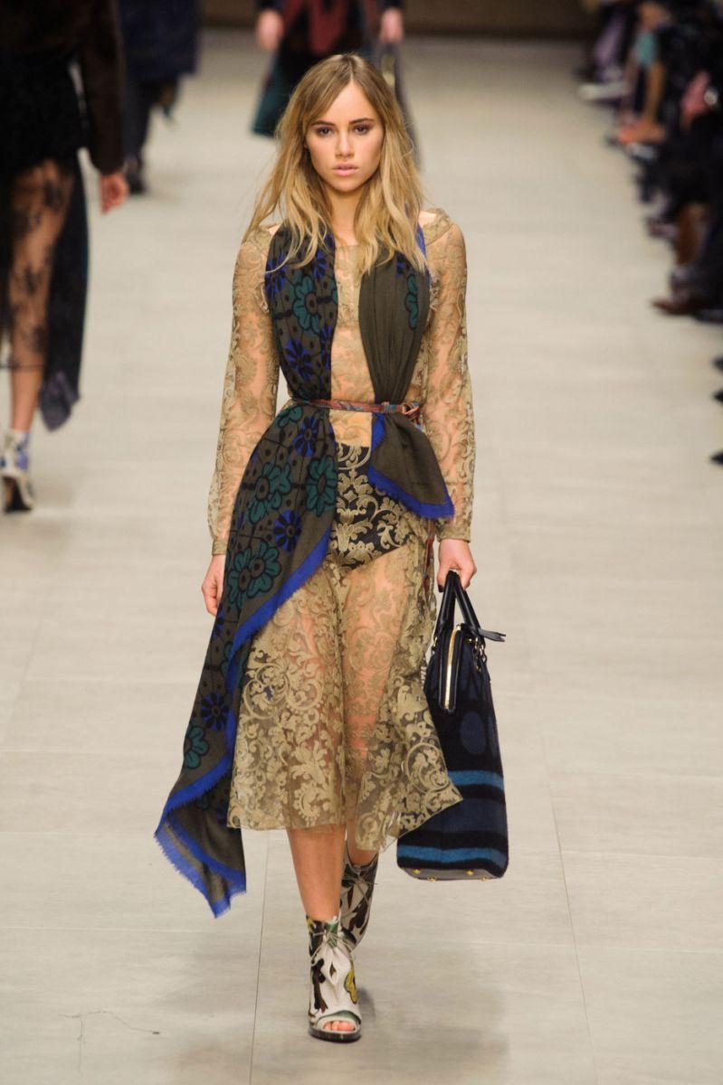 Все за шарфами: новый тренд на осень 2014