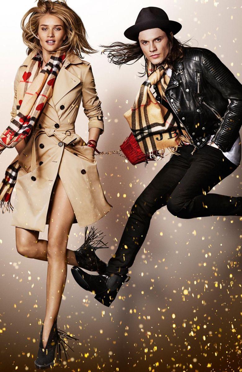 Сказка рядом: Наоми Кэмпбелл и Рози Хантингтон-Уайтли в новой рекламной кампании Burberry