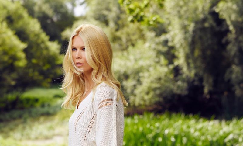 Нежнее весны: Клаудия Шиффер в рекламе роскошного кашемира
