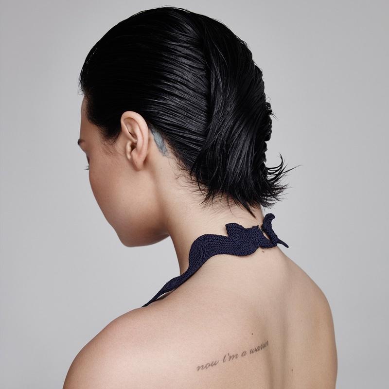 Красота в пример: 23-летняя Деми Ловато в образцовой beauty-съемке для Refinery29