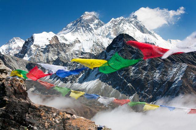сколько стоит подъем на Эверест